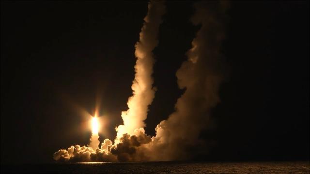 """俄核潜艇连射4枚""""布拉瓦""""洲际导弹,美媒酸评:文明的终结 第3张"""