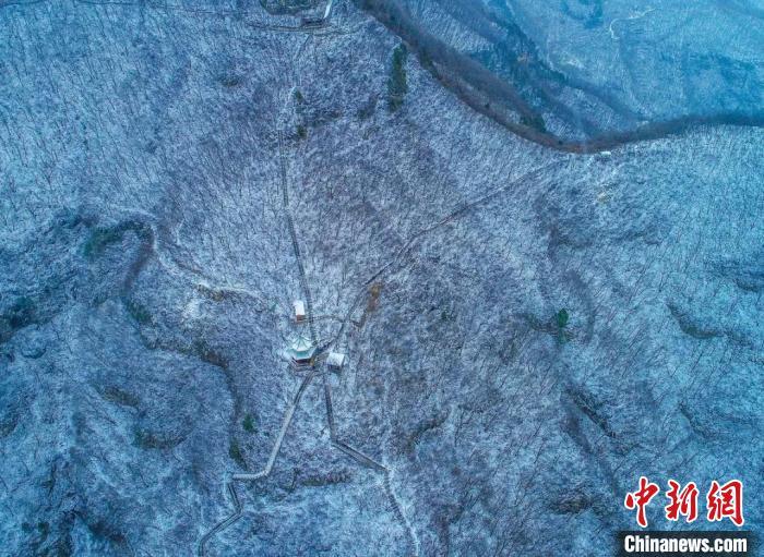 河南云台山迎2021年初雪 宛如素描画