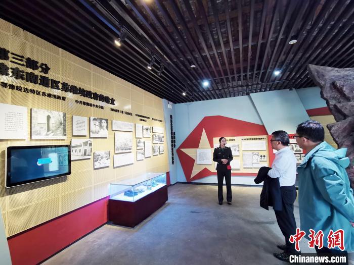 """革命老区安徽金寨:""""红绿""""结合产业兴 家中迎客旅游旺"""