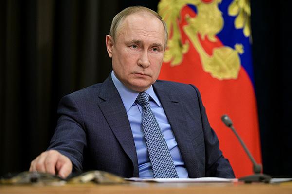 美媒称俄罗斯将向伊朗提供一颗间谍卫星,普京:垃圾新闻