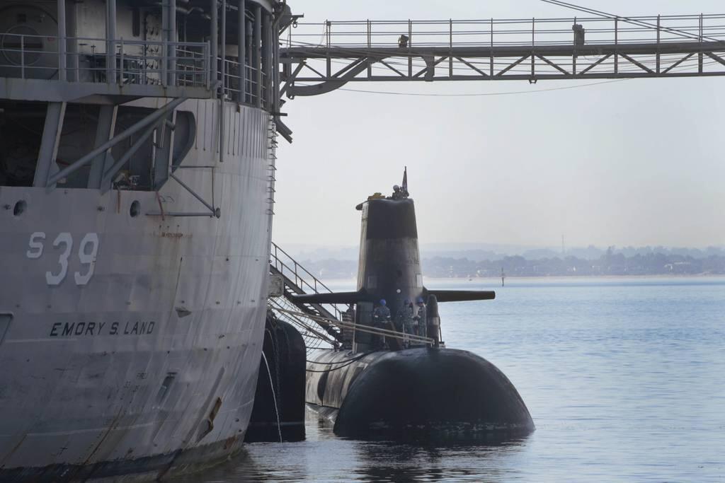 """美国海军最高将领:与澳大利亚核潜艇交易""""很成功"""",与法国关系也依然牢固插图"""