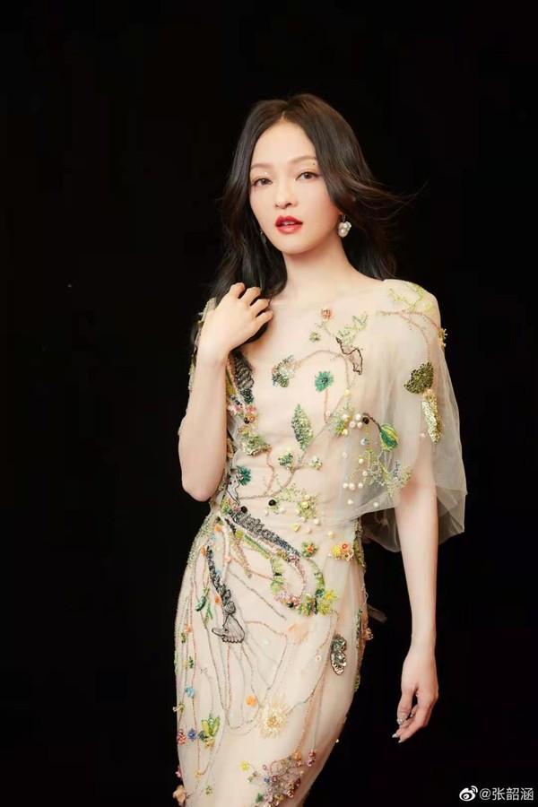 刘诗诗、倪妮带着超优美体态,又来吸粉了!插图15