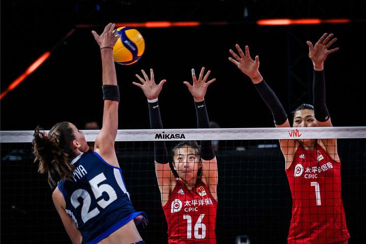 世界女排联赛中国女排轻取意大利赢得四连胜