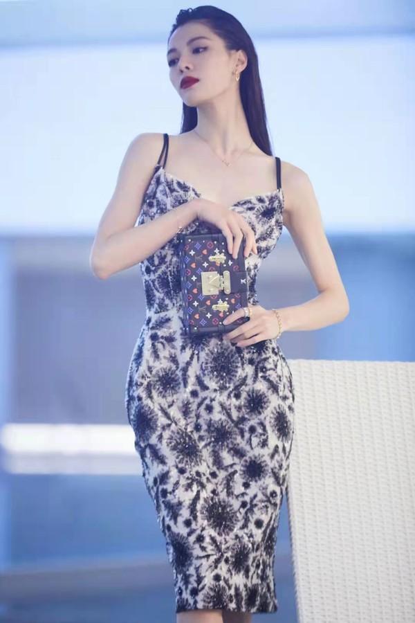 刘诗诗、倪妮带着超优美体态,又来吸粉了!插图12