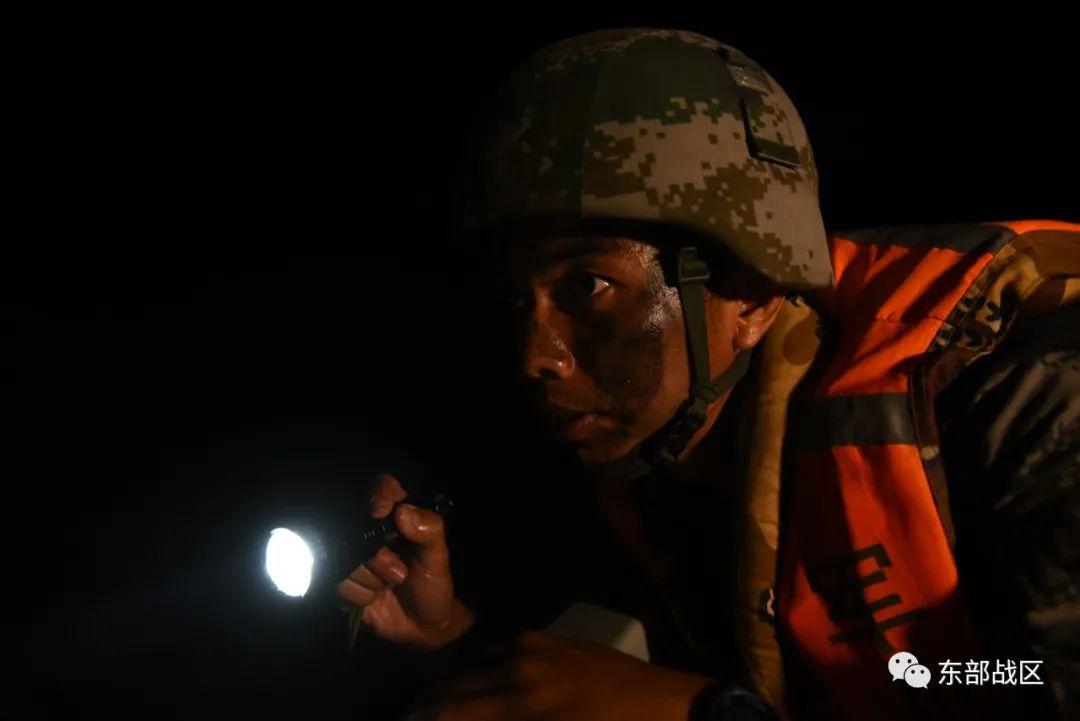 燃!侦察兵跨昼夜立体渗透