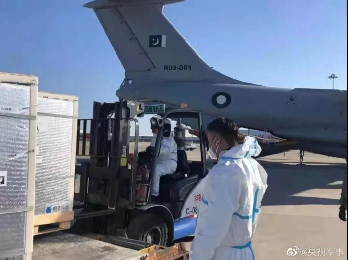 中国军队向柬埔寨军队提供疫苗 首批为什么是巴铁和柬埔寨?