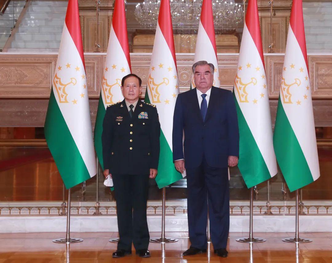 塔吉克斯坦总统拉赫蒙会见魏凤和
