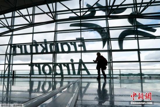 """在受到""""欺诈""""威胁后,德国法兰克福机场被撤离, 警察逮捕了嫌疑人"""
