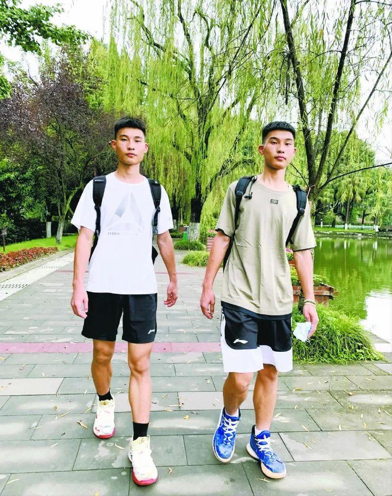 真·复制粘贴!四川双胞胎兄弟同分考进同校同专业、住同寝室