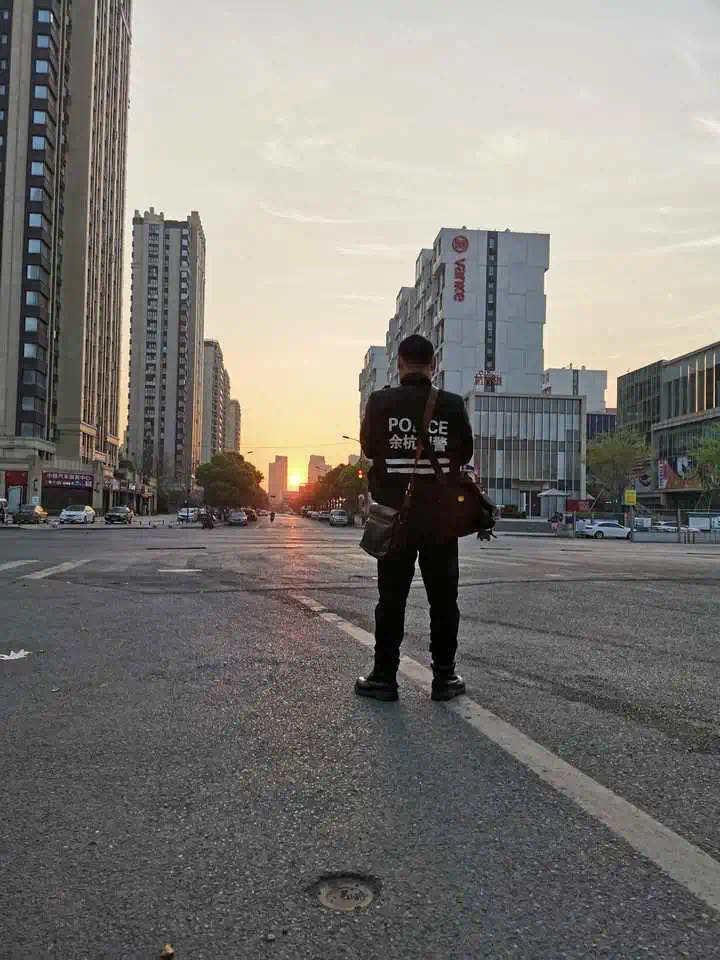 杭州坠楼刑警生命体征趋向稳定,初步脱离生命危险