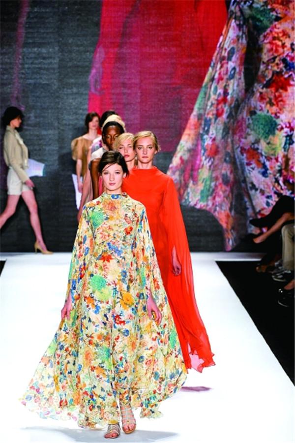 《【摩鑫平台注册网址】从一件汉服,看中国古典服饰美学的流变》