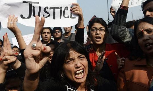 电银付官网(dianyinzhifu.com):怒不可遏!印度女子遭5名男子性侵,去报案时再遭警员性侵 第1张