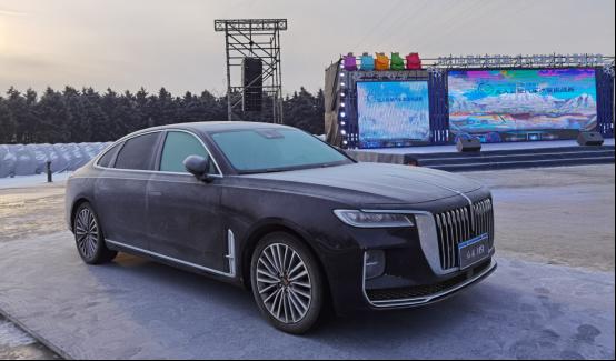 硬核技术实力助智能网联汽车发展 中国一汽亮相无人驾驶汽车冰雪挑战赛