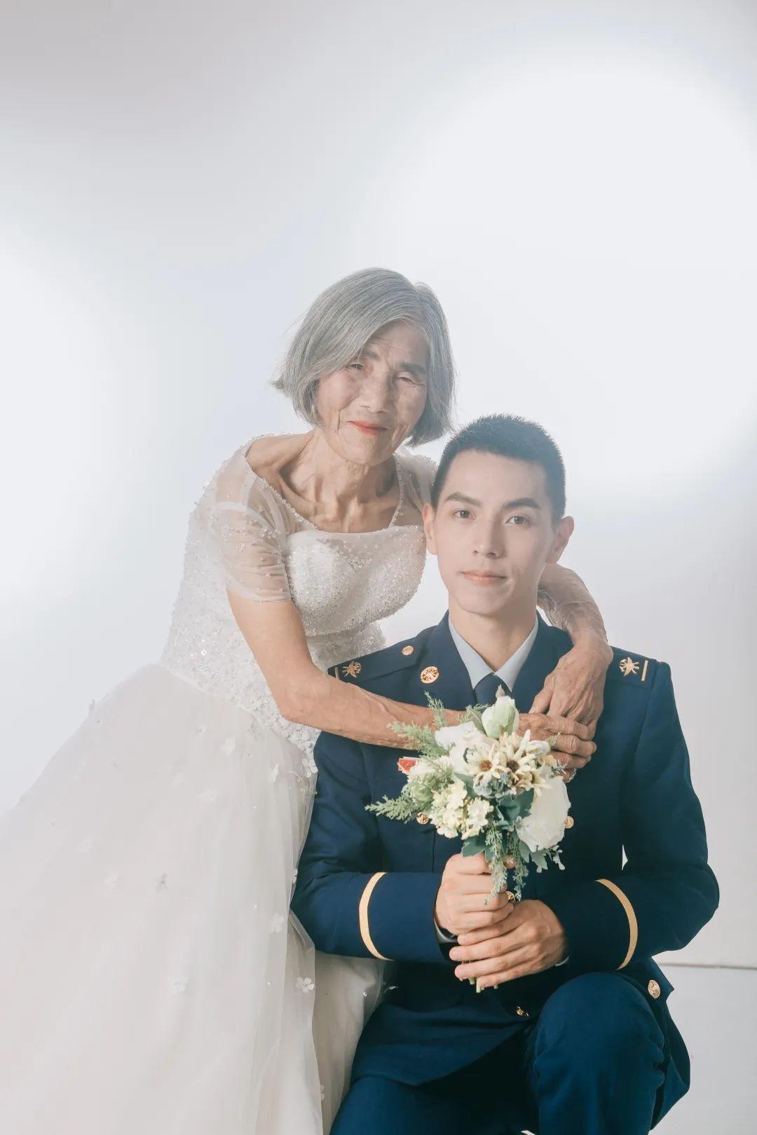 相差61岁,这张婚纱照刷屏了!