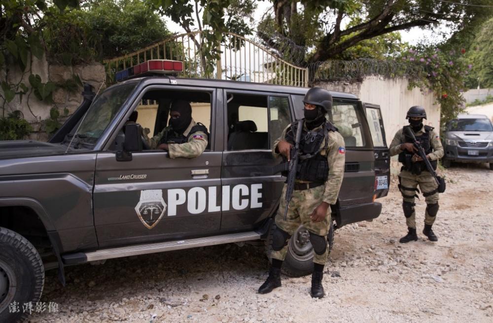 美国FBI协助调查海地总统遇刺身亡 现场搜集证据插图(2)