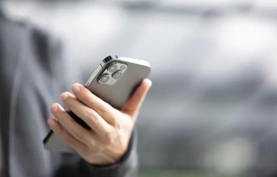 """外媒称未来iPhone的卫星功能仅供紧急情况下用来发送信息 仅限于""""紧急场景"""""""