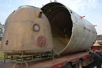 神舟飞船返回舱试验舱抵达南京