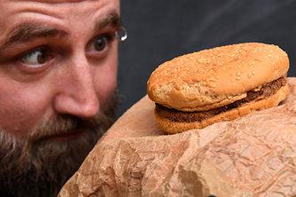 澳大利亚男子保存麦当劳汉堡25年
