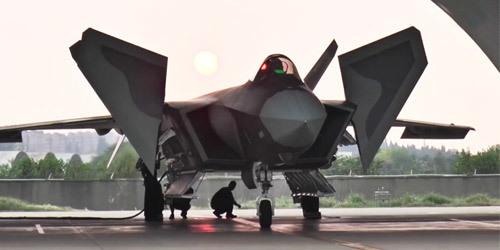消灭20以首亮相空军开放活动 提前感受飞行风采