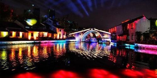 """锡古运河畔彩灯绚丽""""扮靓""""城市之夜"""