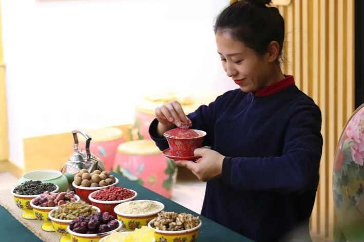 探访宁夏吴忠八宝茶�体验馆