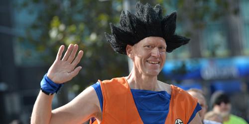2019纽约马拉松开幕参赛参赛者奇装异服吸引眼球