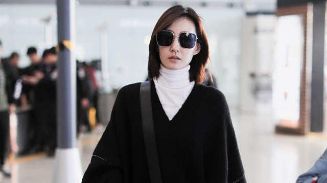 王丽坤被曝结婚后首现身 手捧鲜花走路超飒