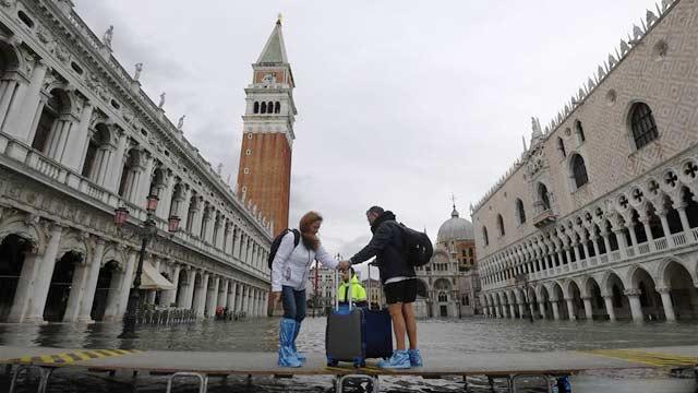 意大利威尼斯洪灾持续