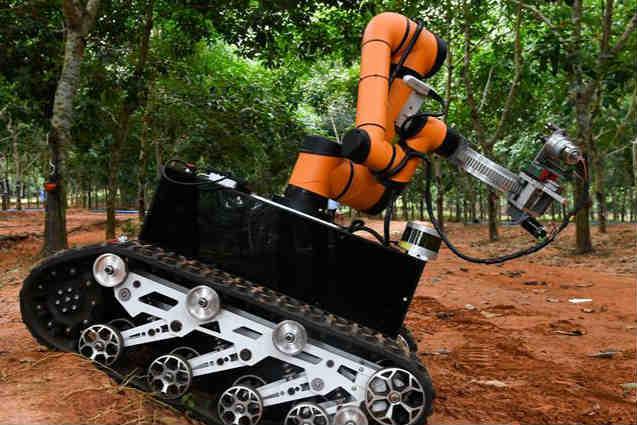 """割膠""""黑科技""""助力天然橡膠生產自動化"""