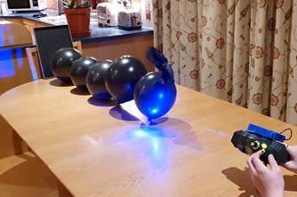 """国外天才少年用3D打印技术自制""""科幻武器"""""""