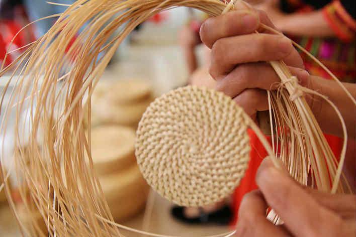 海南五指山:探訪美麗鄉村?民族傳統手工藝煥發新活力