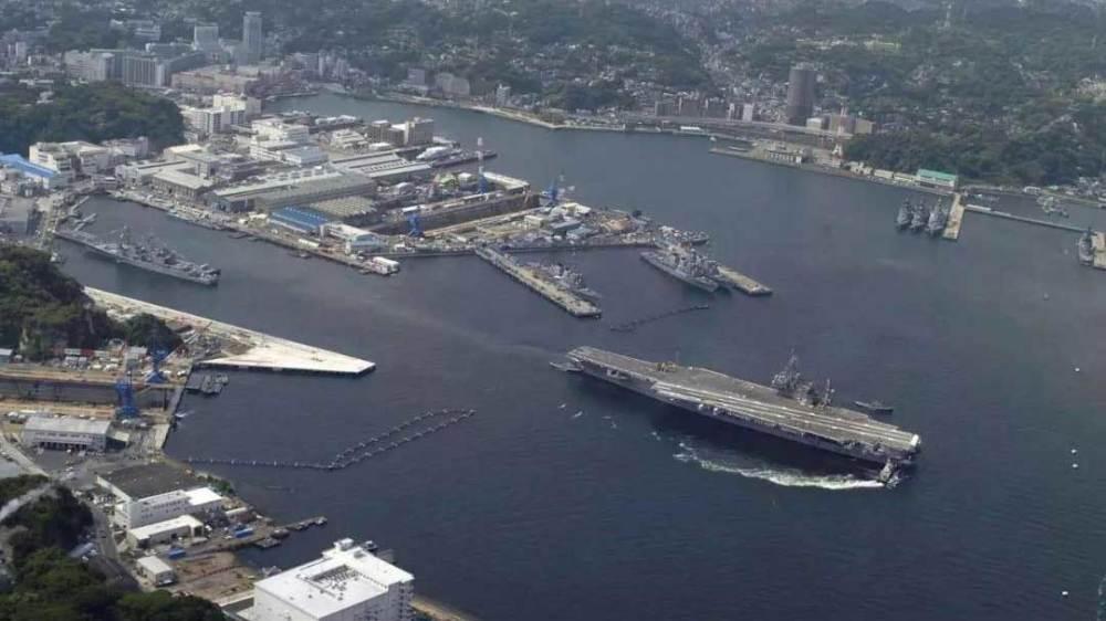 走进驻日美军最大的港口零距离接触宙斯盾驱逐舰