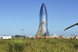 "SpaceX公布最强""星际飞船"" 最早明年上火星"