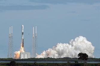 SpaceX发射60枚互联网通信卫星