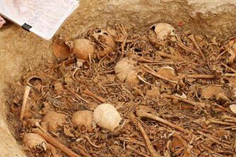 法国发现新石器时代的地下墓葬