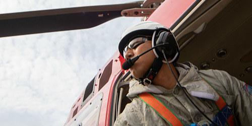 安徽芜湖:国内首次自主实施直升机超高压带电作业