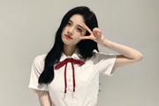 鞠婧祎学生装扮俏丽可爱