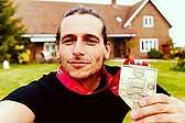 英男子辞职后22个月跑196场马拉松 创世界纪录
