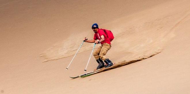 """沙漠上也能滑板?不可思议的""""单板滑沙"""""""