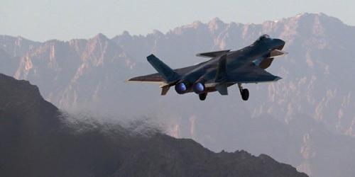 """空军发布致敬""""双11""""影像:歼20轰6N等新机型出镜"""