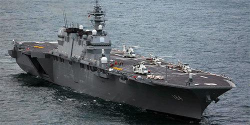 日直升机航母派遣直升机前往台风灾区侦察