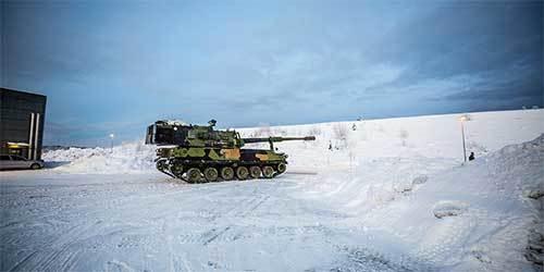挪威启用将韩K9榴弹炮 部署在冰天雪地之中