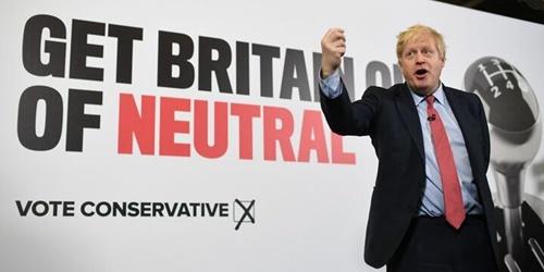 英国大选临近 首相约翰逊公布保守党宣传海报