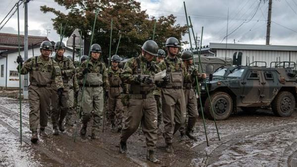 """""""海贝思""""来袭日本派三万自卫队员救灾"""