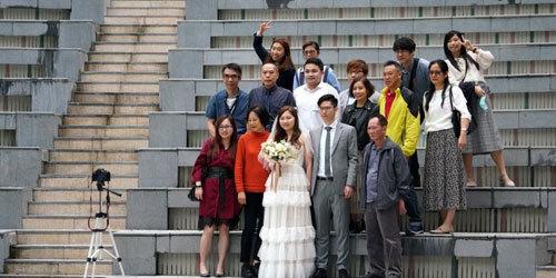 郑州实施更严格防疫措施 婚礼上不得多于20人口集聚