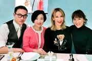 李玟与好友聚会庆45岁生日 新发型时尚减龄显年轻