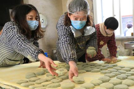 浙江舟山:青饼飘香赶订单