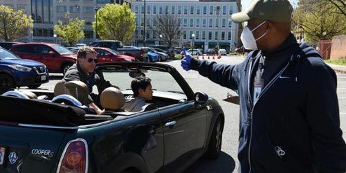 美华府地区民众捐自制口罩等物资支援抗疫
