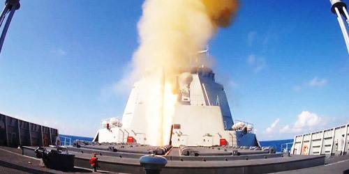 冷热发射全都要!052D舰发射鹰击18导弹画面曝光