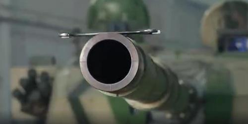 國產96A式坦克秀操作:炮管托舉扳手平穩不掉